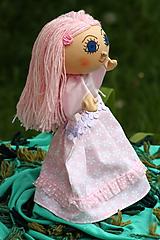Maňuška. Princezná Šípková Ruženka.