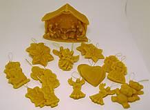 Dekorácie - Vianočný set z včelieho vosku na vianočný stromček - 10094757_
