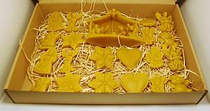 Dekorácie - Vianočný set z včelieho vosku na vianočný stromček - 10094758_