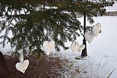 Dekorácie - vianočné folk srdiečko - ozdoba - 10103591_