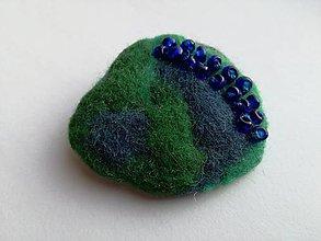Odznaky/Brošne - Zelenomodrá plstená brošnička - 10098933_