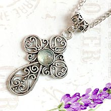 Náhrdelníky - Prehnite & Cross Antique Silver Necklace / Výrazný náhrdelník kríž s prehnitom /1135 - 10104996_