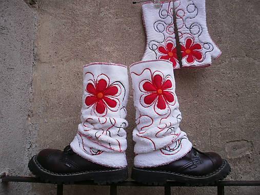 Návleky na nohy s červenou