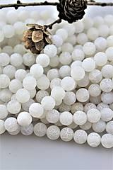 Minerály - achát biely korálky 10mm (matný) - 10105700_
