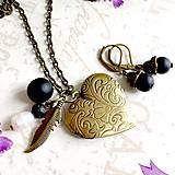 Sady šperkov - Onyx Locket Necklace & Earrings / Sada medailonu a náušníc s ónyxom a perlou /1147 - 10111147_