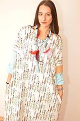 KORÁL - oversized šaty z bavlneného úpletu s náhrdelníkom.