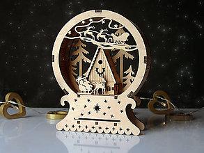 Dekorácie - Drevená vianočná dekorácia Chalúpka v lese - 10113988_