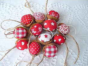 Dekorácie - Vianočné oriešky ,červené - 10110801_