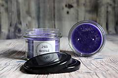 Svietidlá a sviečky - handmade sviečka černicový koláč - 10109992_