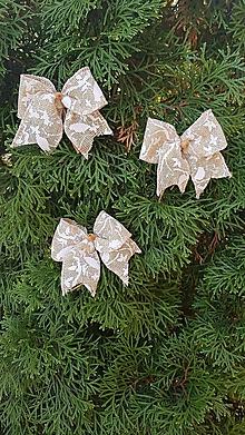 Dekorácie - jutové mašle na stromček so zimným motívom na štipci, sada 3 kusy - 10109859_