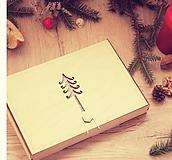 Dekorácie - Vianočné drevené ozdoby v krabičke - Červené s rolničkami 24 ks - 10110111_