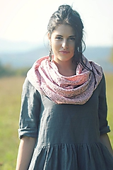 - Šátek růžový s béžovými kytičkami - 10113579_