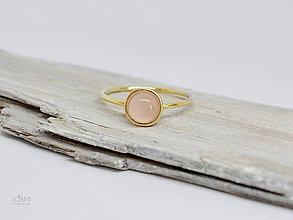 Prstene - 14k zlatý prsteň s prírodným rúženínom - 10117848_