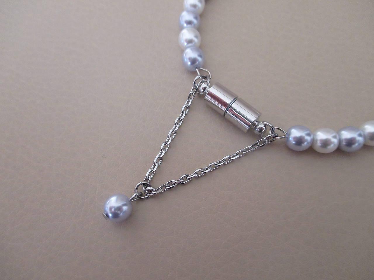 Bielo-strieborný perlový náramok - chirurgická oceľ