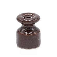 Iný materiál - Porcelánový izolátor na vedenie kábla po stene, priemer 20mm, hnedá farba - 10115698_