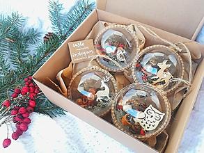Dekorácie - Vianočné gule 4 ks prírodné so zvieratkami - 10119528_