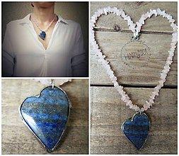 Náhrdelníky - Srdce z lapis lazuli na ruženíne - 10118963_
