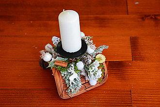 Svietidlá a sviečky - Vianočný svietnik poloblúk s jelenčekom so sviečkou - 10114855_
