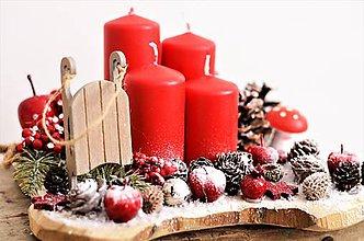 Dekorácie - Adventný svietnik do červena - 10122401_