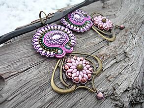 Náušnice - Soutache náušnice Orientálna Fialová Orchidea - 10123606_