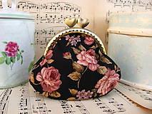 Peňaženky - Minitaštička Růžičky na černé - 10120536_