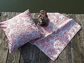 Úžitkový textil - Set obliečky a obrusa (Bordová s trblietavými ornamentami) - 10124885_