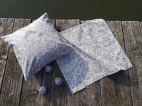 Úžitkový textil - Set obliečky a obrusa (Strieborná s trblietavými kvetmi) - 10124891_