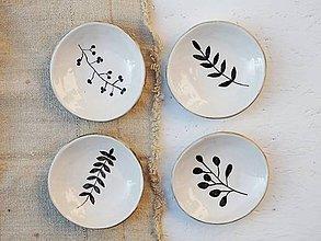 Nádoby - Sada malých keramických tanierikov s vetvičkami - 10127315_