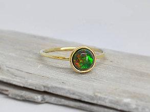 Prstene - 14k zlatý prsteň s prírodným Etiopským čiernym opálom - 10125371_