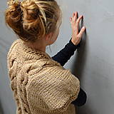 Svetre/Pulóvre - svetrík ZAPLETANÝ s krátkym rukávom - 10125029_