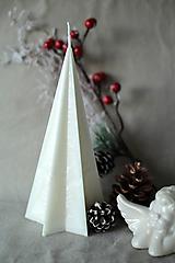 Svietidlá a sviečky - Sviečka zo 100% palmového vosku - STROMČEK - 10126316_