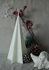 Svietidlá a sviečky - Sviečka zo 100% palmového vosku - STROMČEK - 10126350_