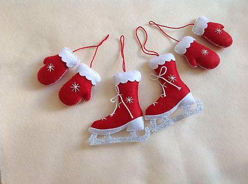 8f09db524 Vianočné rukavice a korčule - sada ozdob na stromček ...