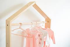 Nábytok - Vešiak na oblečenie - 10131074_
