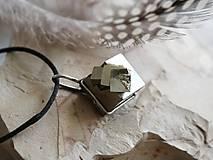 Náhrdelníky - Samé kocky... (pyrit) - 10130692_