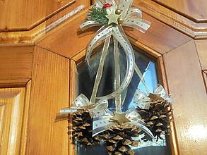 Dekorácie - Vianočné dekoracie na dvere - 10129894_