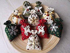 Dekorácie - Voňavé vianočné vrecúška - 10136921_