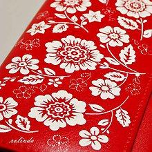 Peňaženky - Červená s folklórními květy - 10132571_