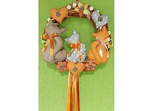 Dekorácie - Celoročný Veniec venček na dvere alebo do interiéru - Mačička mačičky (priemer 30 cm - Oranžová) - 10132446_