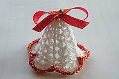 Dekorácie - Zvončeky háčkované bielo-červeno-zlaté - 10135338_
