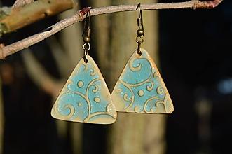 Náušnice - Náušnice tyrkysové trojuholníky, reliéfové. - 10138782_