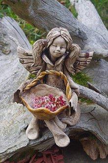 Socha - anjelik s košíkom - 10140444_