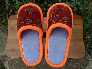 Obuv - Bordové papuče s oranžovým lemom - 10140406_