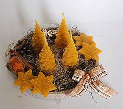 Dekorácie - Adventný veniec so stromčekmi - 10139884_