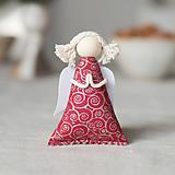Dekorácie - Anjelik na zavesenie bordovo strieborný - 10141574_
