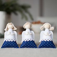 Dekorácie - Anjelikovia na zavesenie SADA modrotlač s paličkovou krajkou II. - 10139283_