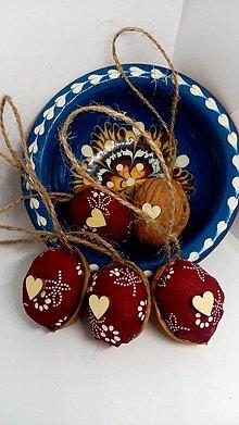 Dekorácie - Oriešky folk so srdiečkom (bordové a modré) (Modrá) - 10140042_