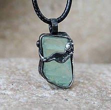 Náhrdelníky - Surový kalcit prívesok/náhrdelník - 10140197_
