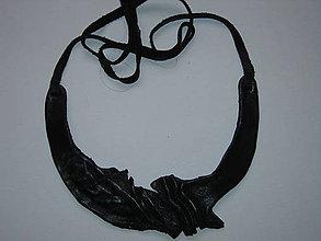 Náhrdelníky - Náhrdelník,čierna koža, v ZĽAVE! - 10144830_