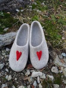 Obuv - Srdiečkové papučky - 10143571_